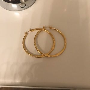 Accessories - Gold hoops